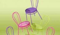 Игра Спечелете комплект от две цветни столчета Боби