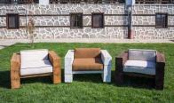 Игра Спечели масивен, състарен, дървен фотьойл с луксозни възглавници от висококачествен пух