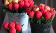 Игра Спечелете голям букет с червени и златни цветя
