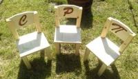 Игра Спечели дървено детско столче с гравирана буквичка по избор