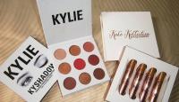 Игра Спечелете сенки Kylie- The Burgundy palette и комплект червила Koko Kollection