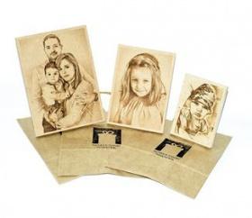 Спечели една от 2 х гравюри върху дървена плочка размер А4 на снимка по твой избор