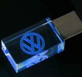 Спечели тази уникална кристална флашка 16GB