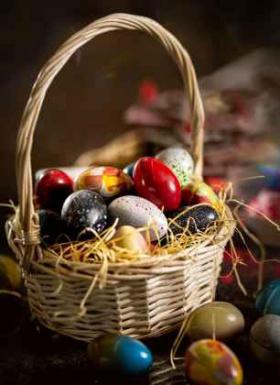 Спечели кошница с 20 пъстри шоколадови яйца за Великден
