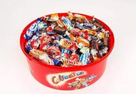 Спечели кутия с 80бр бонбони от Асда - Англия
