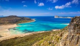 Спечели екскурзия за двама на остров Крит с включени самолетни билети през месец юли