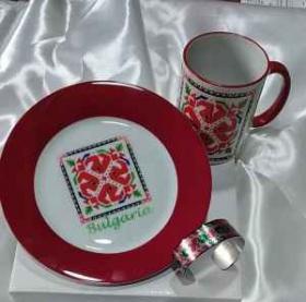 Спечели тази прекрасна чаша ,чиния и гривна с народни мотиви